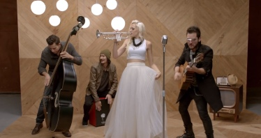 JENNY AND THE MEXICATS. Labios